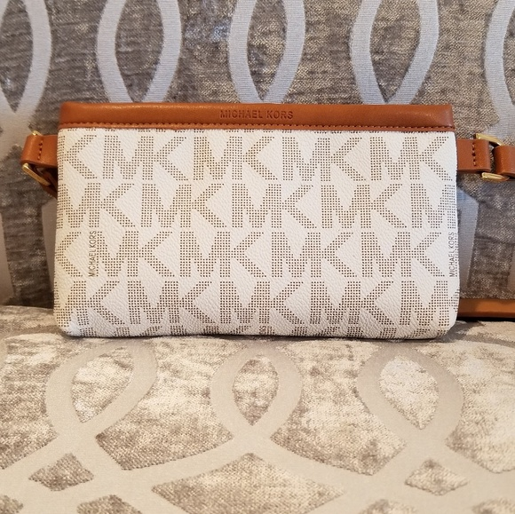 689211e2c5bfbd Michael Kors Bags | Belt Bag Mk Fanny Pack Size L And M | Poshmark